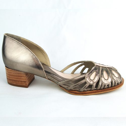 Sandália Lissa prata velho feito à mão.