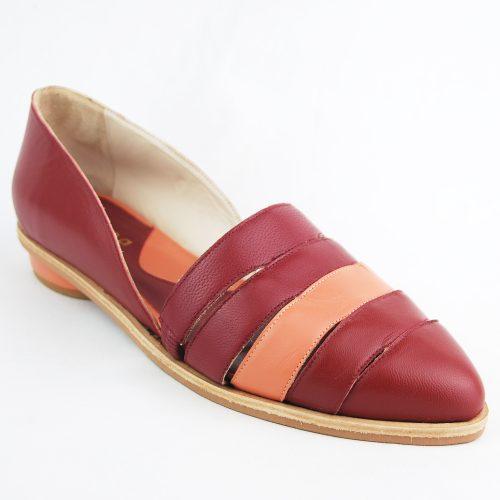 Sapato Erva-Mate bordô feito a mão.
